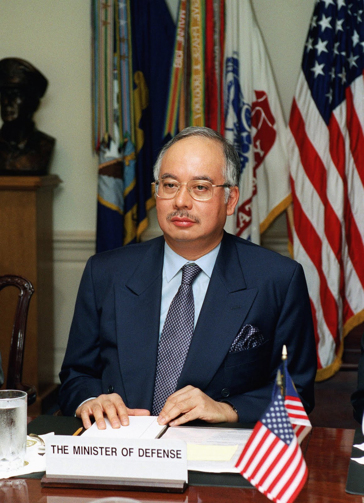 prime minister of malaysia It was a great honor to welcome prime minister najib abdul razak of malaysia  and his distinguished delegation to the @whitehouse today.