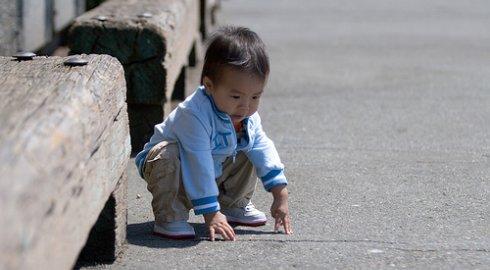 http://3.bp.blogspot.com/_zrJHmaaiqVw/THI3altklqI/AAAAAAAAAHY/UXV5d5bRqrs/s1600/asian-baby-squat.jpg