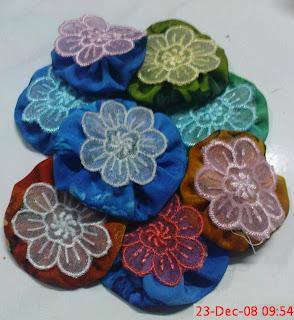 yo-yo flowers | © 2009 by Rosidah Abidin
