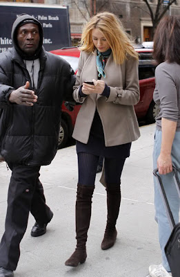 Blake Lively Boots on Blake Lively  Coat  Boots  Skirt  Collant  Foulard