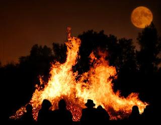 Bonfire Near Bed Of Choas