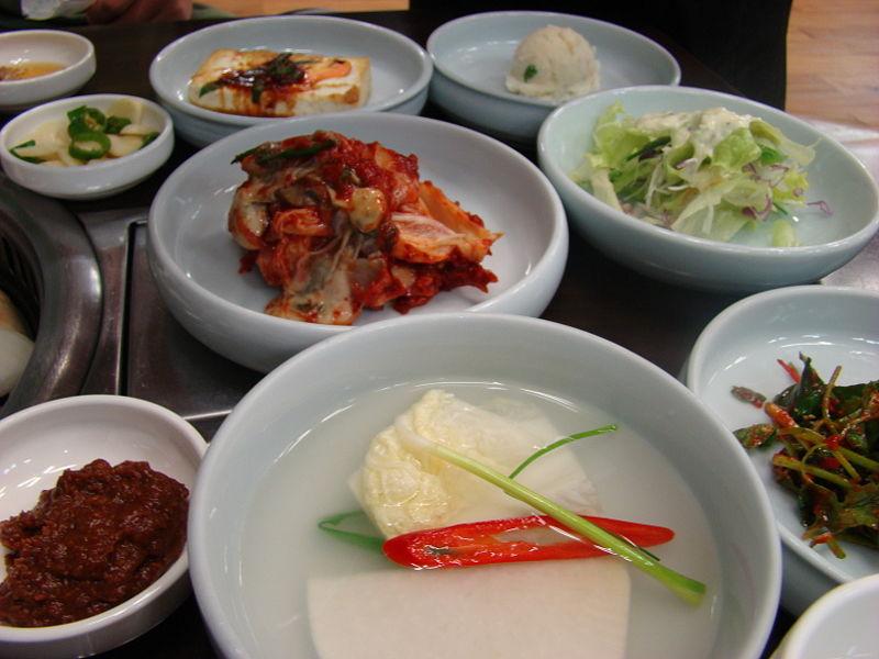 [800px-Korean.cuisine-Banchan-02]