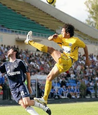 funny football pictures. What a kick
