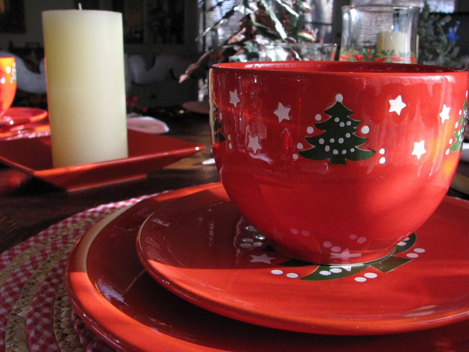 Creative Journeys: A Waechtersbach Christmas Tablescape