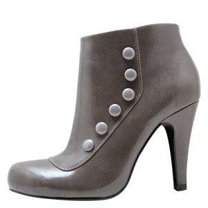 http://3.bp.blogspot.com/_zvi4Em7XHpQ/SLjOwDeg5YI/AAAAAAAABnw/a9Jiq7APHPQ/s320/payless+madison+button+ankle+boot.jpg