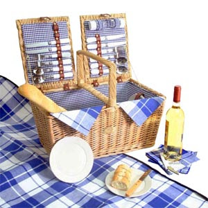 Coastal picnic basket for 4 available at sally lee by for Picnic food ideas for large groups