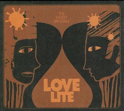 Ce que vous écoutez  là tout de suite - Page 23 Lovelite+cover