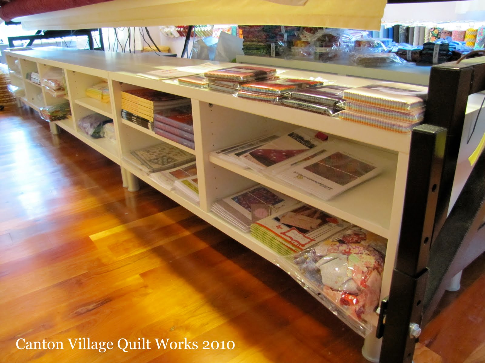 Canton village quilt works i heart ikea in my studio for Quilt room design ideas