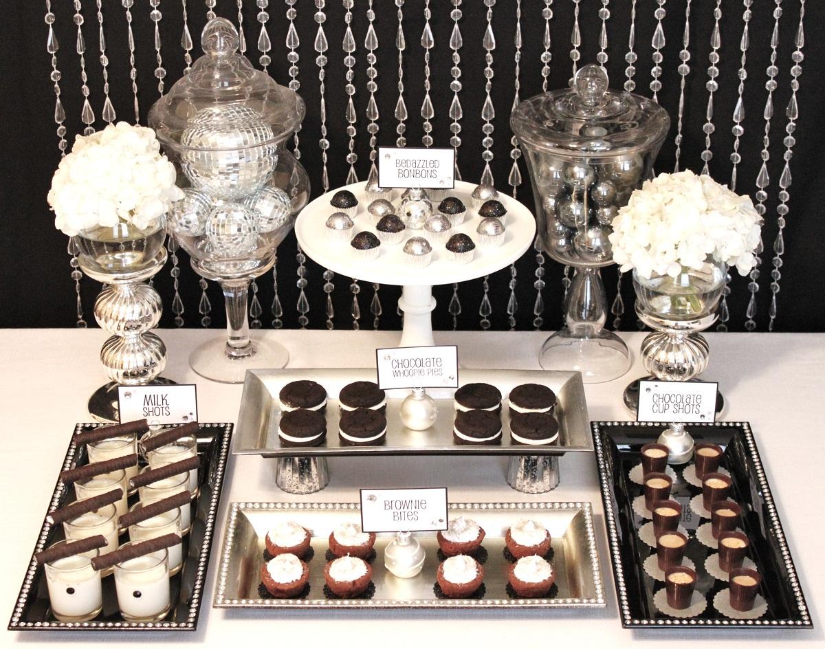 colorful christmas dessert tables. Black Bedroom Furniture Sets. Home Design Ideas
