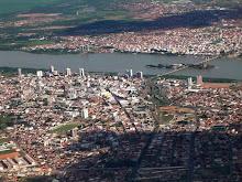 DE UM LADO DO RIO PETROLINA, DO OUTRO JUAZEIRO