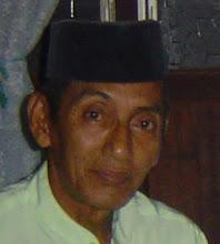 Hj Ahmad Dohamis. Suami Angah Miah