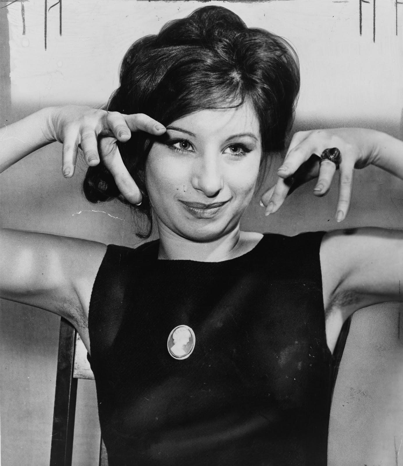 http://3.bp.blogspot.com/_zyd-BpPFY9Q/TSytTA9a9NI/AAAAAAAAAMs/Ndq2siYdMjU/s1600/Barbra_Streisand_1962.jpg