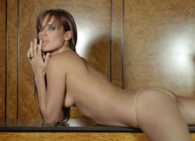 sophie anderton showing off her naked body 4