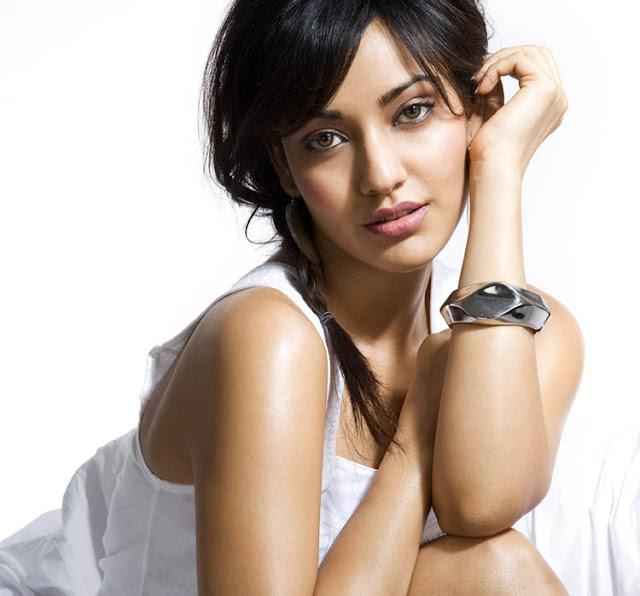 Neha Sharma Sizzling hot6