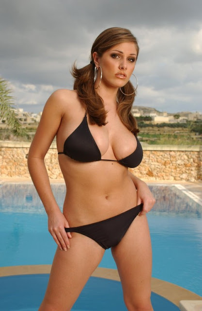 lucy pinder2