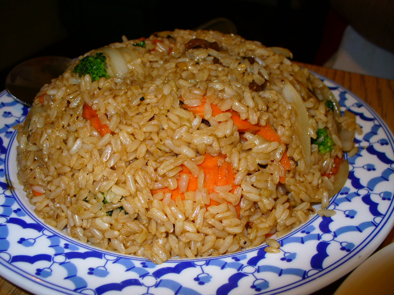 "... Simple : Thai Fried Rice with Chicken, ""Khao Pad Namprik Pao Sai Kai"
