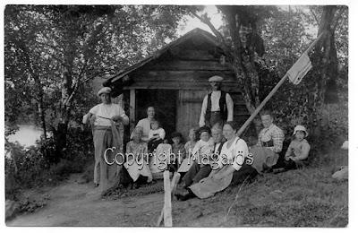 Ett svartvit foto från mitt paradis. Taget i början på 1920-talet.
