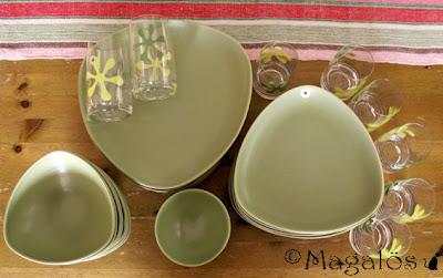 Trekantigt höganäsposlin i olivgrön färg