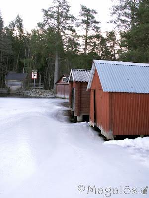 Is framför båthus.