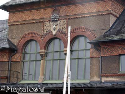 Stationsfönster.