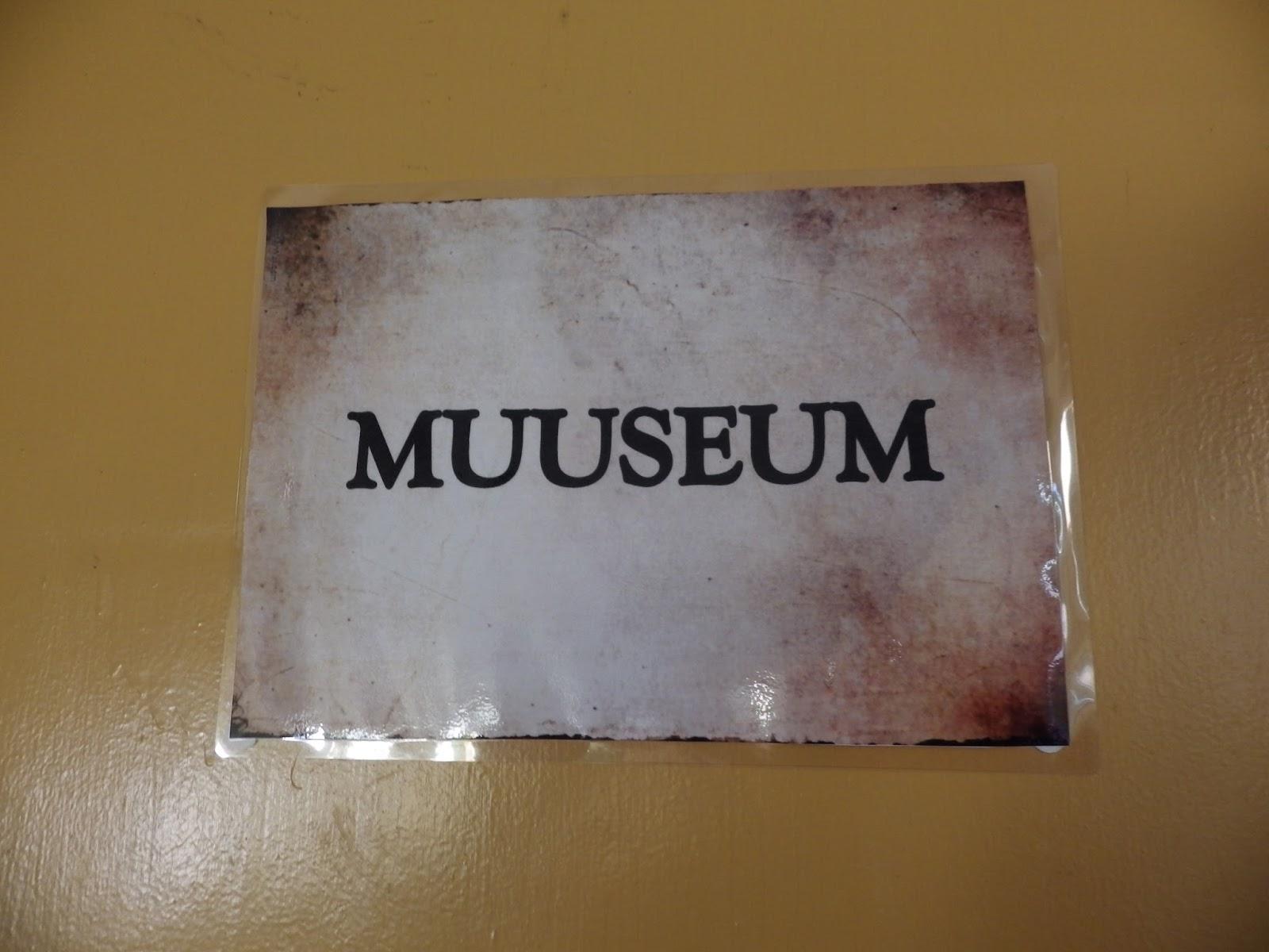 814aba2ce0c Algul arvasin, et ei hakka uksi lahti tegema, seinad alles värvimata,  kardinad puudu ja pooled eksponaadid ka kuskil, aga Lepatriinu leidis, et  teeme ikka ...