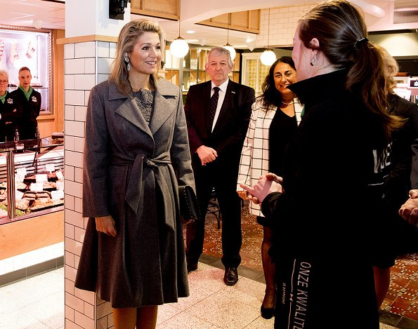 Dutch Queen Maxima wears Natan Lace Dress and Ntan Grey wooll Coat, Gerta-Lynggaard Necklace, Gianvito Rossi Gray Suede Pumps, Velentino clutch bag
