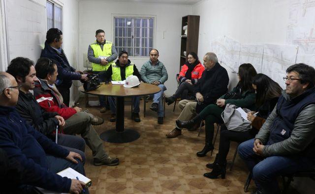 Bertín se reúne con empresas para remover cableado en desuso en Rahue Bajo