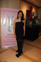Bhagyashree and Diana Hayden walks the ramp for Mumbai Obstetrics and Gynecological Society Annual Fashion Show 014.JPG