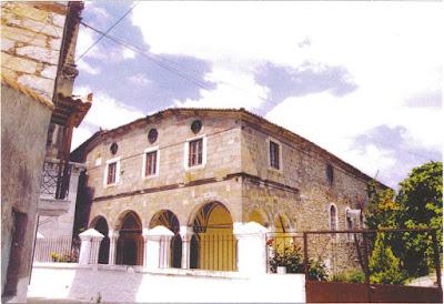 4. Ο ανοικοδομηθείς το 1741 Ιερός Ενοριακός Ναός του Αγίου Προκοπίου στο χωριό Ίππειος Λέσβου.
