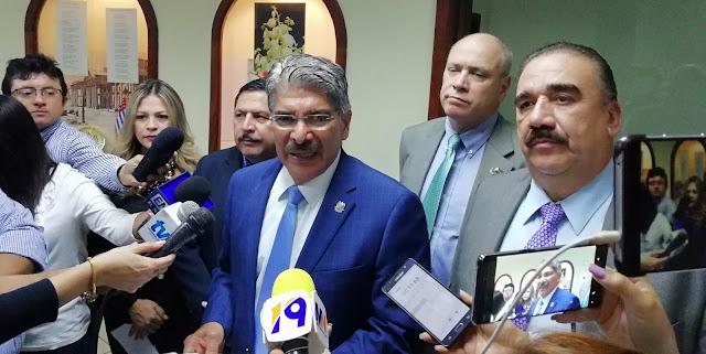 Norman Quijano convoca a los diputados para elegir magistrados de la CSJ