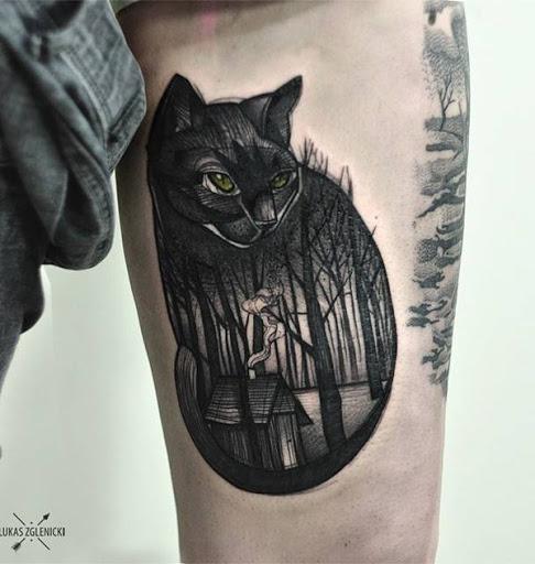 Este resumo de floresta dentro de um desenho de tatuagem é único e o que você deve ter se você estiver procurando por um desenho de tatuagem que é divertido e criativo.