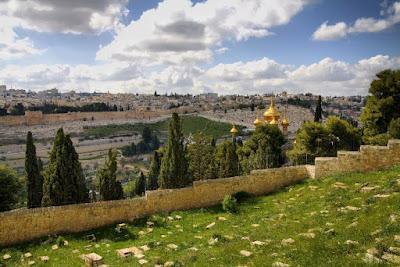 Situado en el lado oriental de Jerusalén, el Monte de los Olivos es el sitio perfecto para unas vistas espectaculares sobre Jerusalén y sobre todo vistas de la ciudad vieja de Jerusalén.