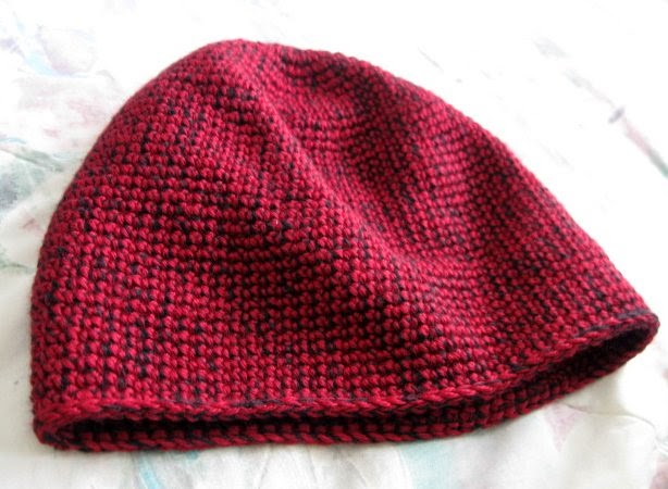 https://www.etsy.com/listing/215096683/crochet-hat-burgundy-and-black-tube?ref=shop_home_feat_2