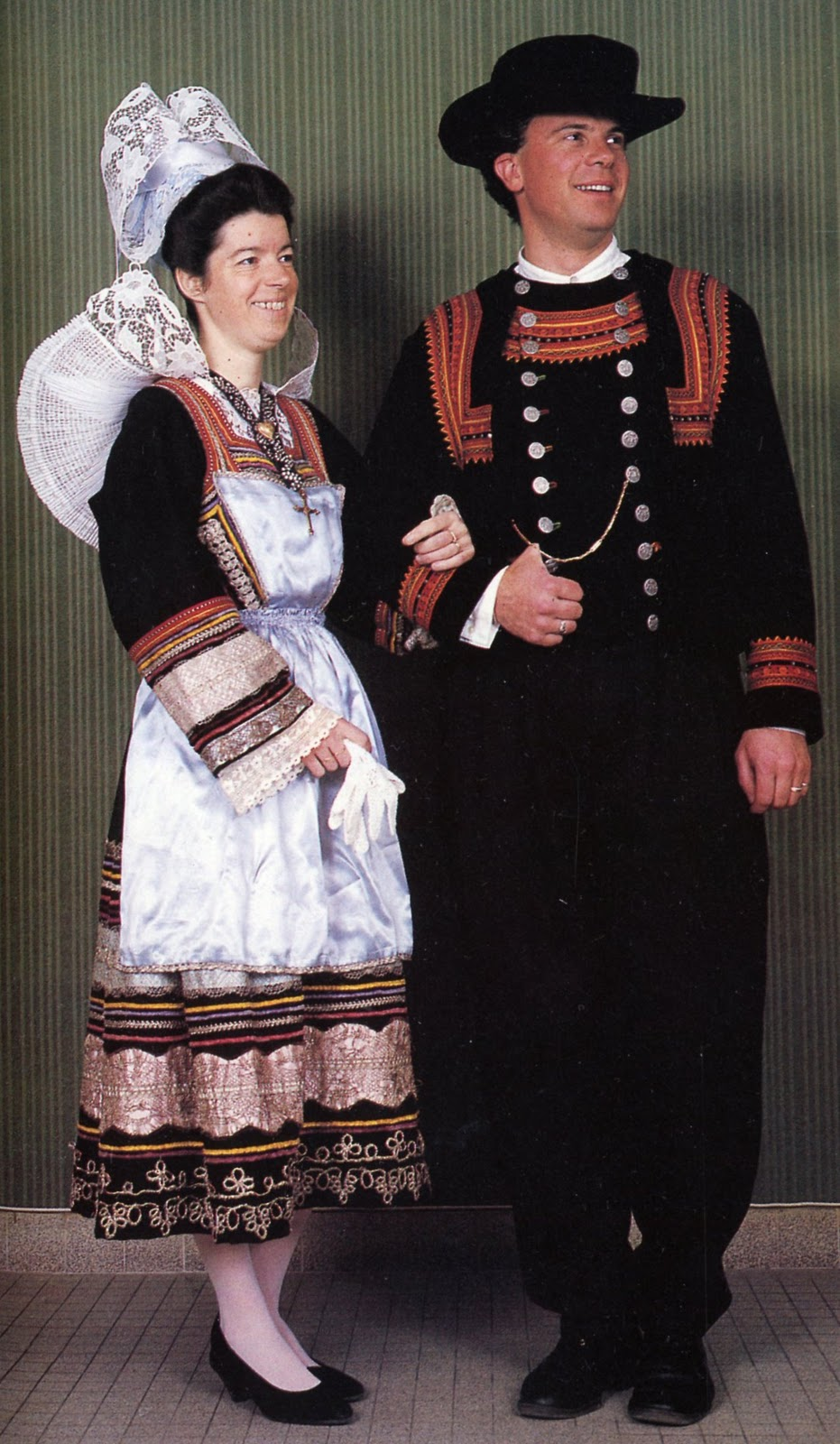 FolkCostume&Embroidery: Costume of Pont-Aven and vicinity ...