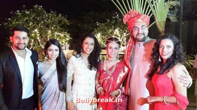 Aftab Shivdasani, Nin and Parveen Dusanj, Raageshwari, Kabir Bedi and a friend, Singer Raageshwari's wedding Pics