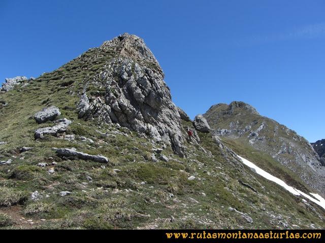 Ruta Les Rapaines, Lago Ubales, Cascayón: Bajando al Collado Acebal