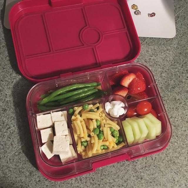 kid lunches - yumbox