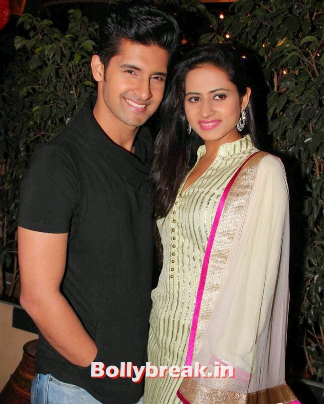Ravi Dubey and Sargun Mehta, Balika Vadhu Success Party Pics -1500 Episodes