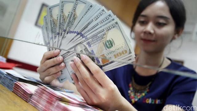 Dolar AS Tembus Rp 13.820