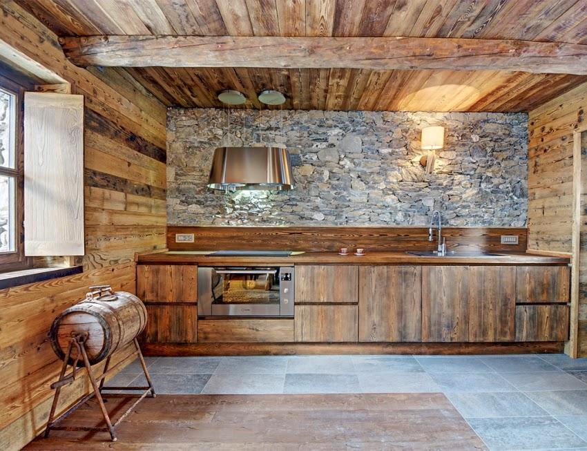 Zachwycająca drewniana chatka w Alpach, wystrój wnętrz, wnętrza, urządzanie domu, dekoracje wnętrz, aranżacja wnętrz, inspiracje wnętrz,interior design , dom i wnętrze, aranżacja mieszkania, modne wnętrza, styl rustykalny, styl klsyczny, drewniany dom, dom w górach, górska chata, kuchnia, kuchnia drewniana, kuchnia w drewnie, projekt kuchni
