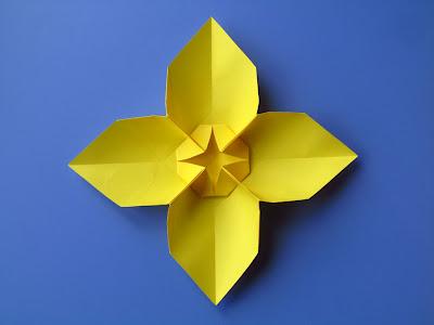Origami Fiore quadrato, variante 1 - Square Flower, variant 1, Francesco Guarnieri