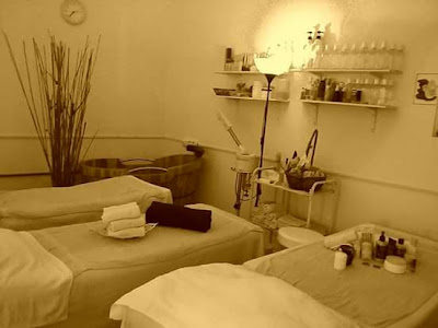 Urut SPA - cosy massage room ~ Urut SPA Gaya MenSPA