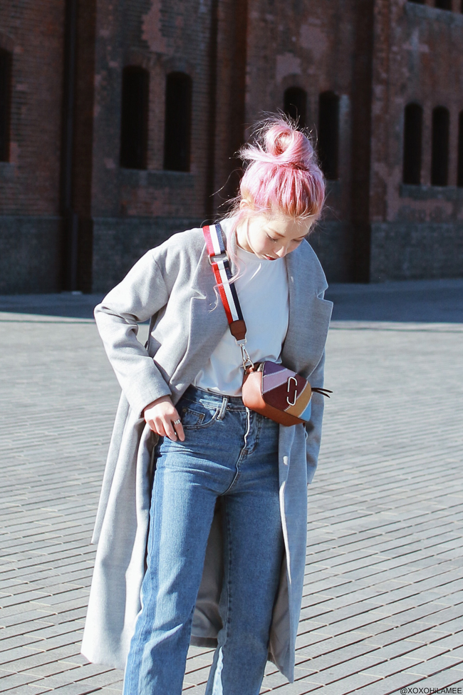 Japanese Fashion Blogger,Mizuho K,20180102OOTD,SheIn=gray long coat,White tee,Roseal=jeans,Reedit=slippers,Zaful=bag