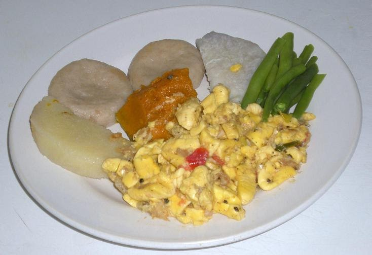 Jamaican food savvy how to make ackee saltfish for Salt fish ackee
