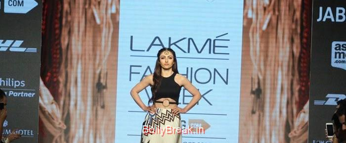 Soha Ali Khan, Soha Ali Khan Hot HD Pics for Babita M Show at LFW Summer/Resort 2015