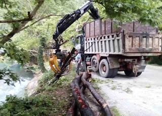 Καθαρισμός του Βοϊδομάτη από κορμούς και ρίζες δέντρων