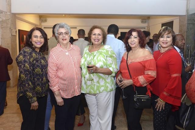 """Inauguran en el Centro Cultural Mirador exposición tributo a Soucy de Pellerano"""""""