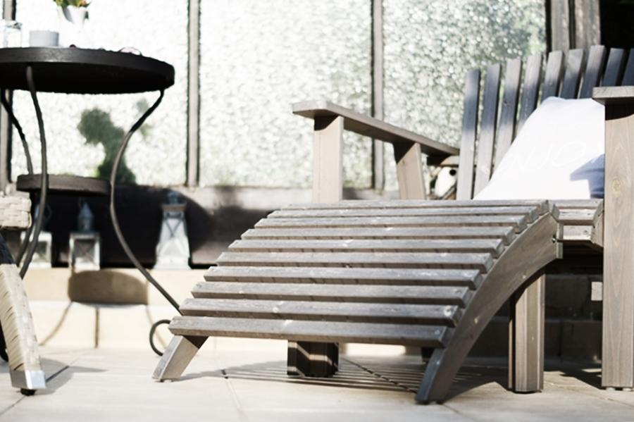 Blog + Fotografie by its me - Adirondack Chair auf der Terrasse mit Kissen
