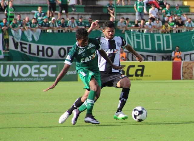 Figueirense praticamente não entra em campo e é derrotado pela Chapecoense