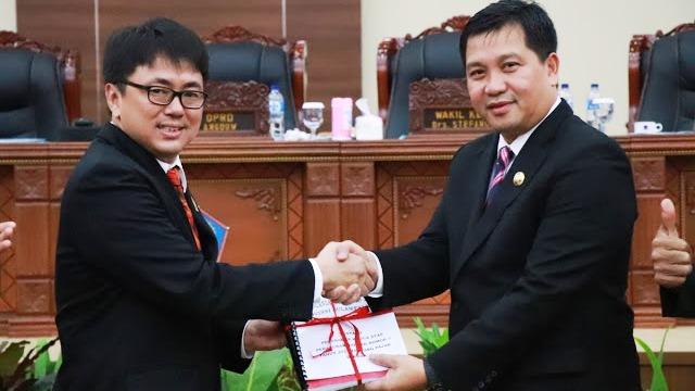 Perubahan Perda Pajak dan Retribusi Daerah di Paripurnakan DPRD Sulut